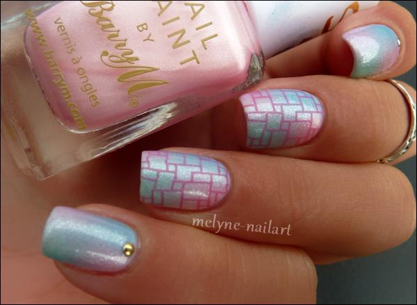 Nail Art dégradé pastel Barry M et stamping 3