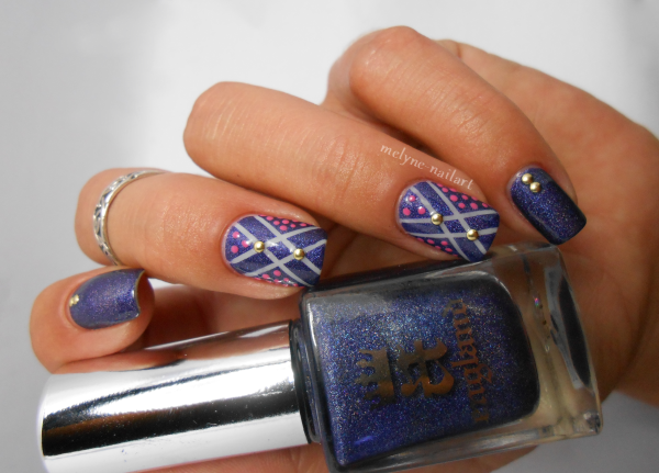 Nail art géométrique et points Tristam A England