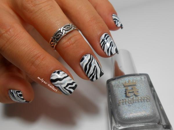 Nail art noir et blanc facile