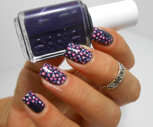 Nail art pois, dotting tool sur Essie Under The Twilight