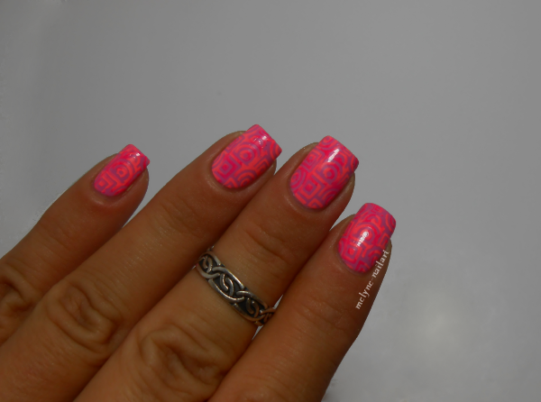 Nail art Stamping Pueen 20 rose fluo China Glaze