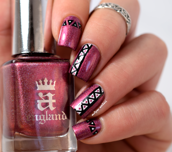 nail art azteque Briar Rose A England