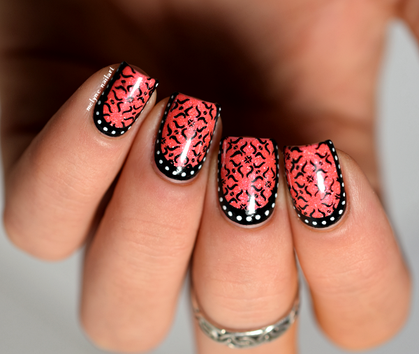 Nail art baroque stamping et ruffian