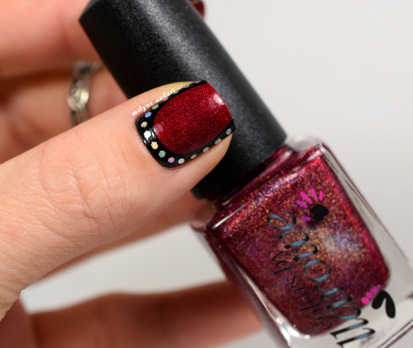 Nail art ruffian pailletée et stamping Mighty Red Baron by CBL