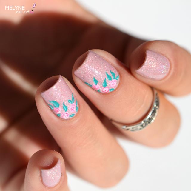 Nail art romantique roses sur Grace Picture Poilish