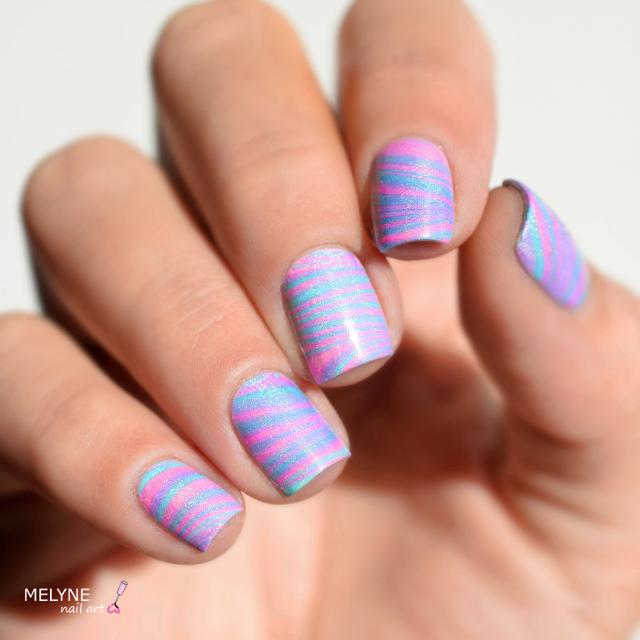Watermarble pastel holographique cupcake polish