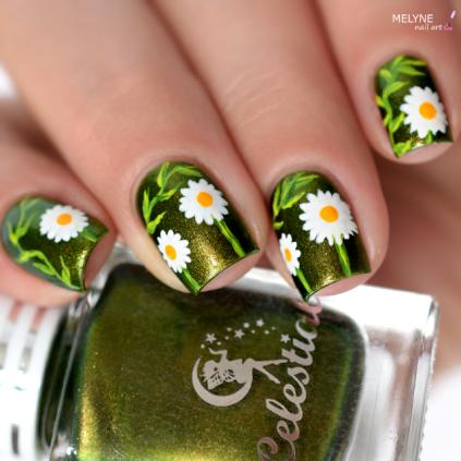 Nail art paquerettes