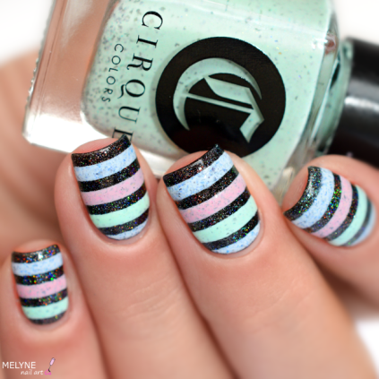 Nail art stripe cirque colors