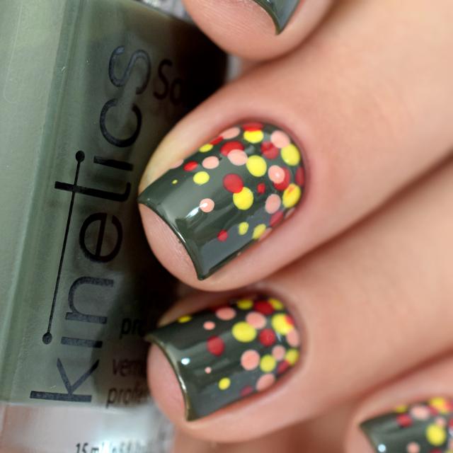 Nail Art dotticure facile automne Kinetics 1