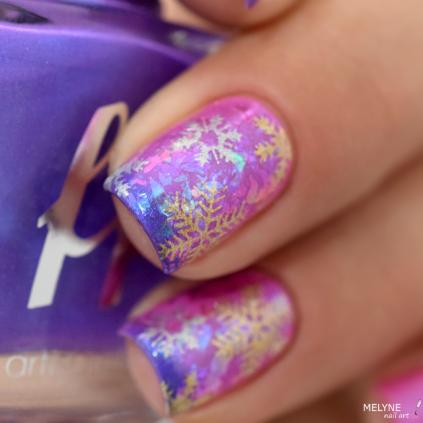Nail art flocon et flakies sur thermal polish 1